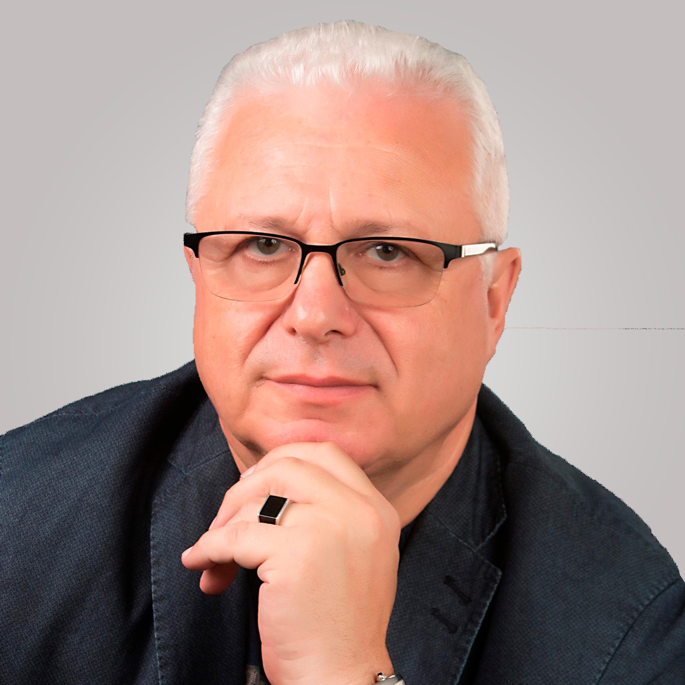 A headshot of Dr. Lazar Finker, the director of the Finker-Frenkel Foundation.